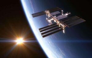 Астронавты NASA в открытом космосе провели модернизацию МКС