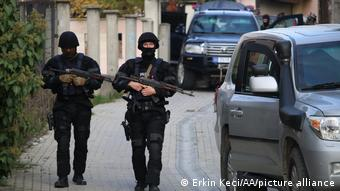 Патруль на улице в Косово