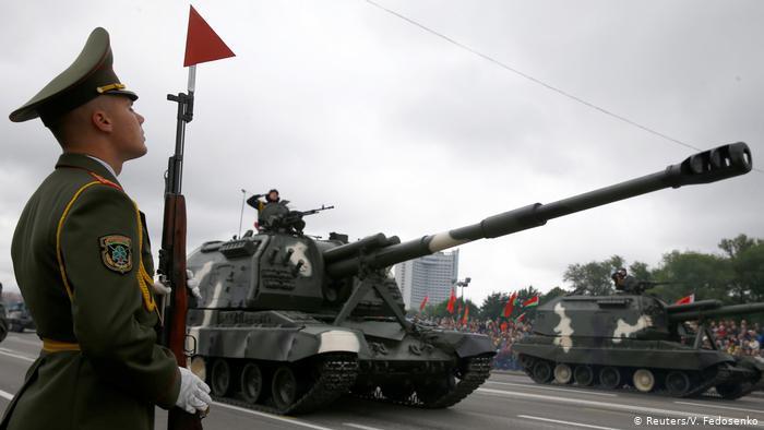 Танки на военном параде в Минске