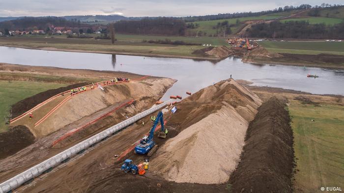 Газопровод Eugal прокладывают через Эльбу