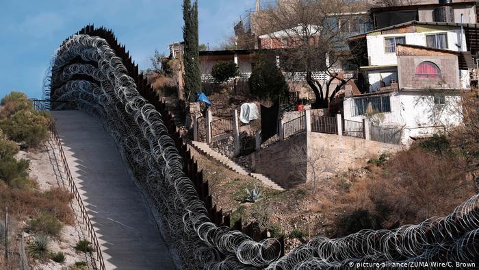Укрепления на границе США с Мексикой