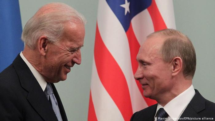 Джо Байден и Владимир Путин в в 2011 году (Фото из архива)