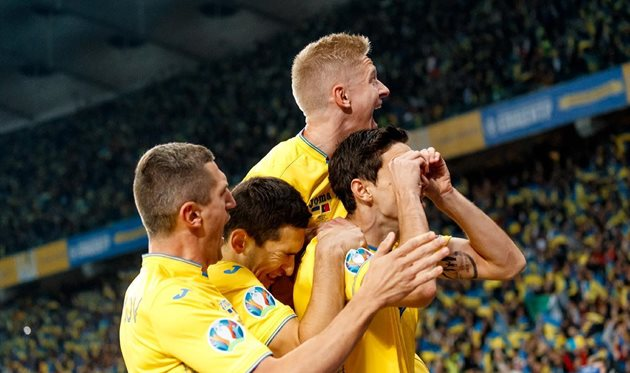 Футболисты сборной Украины, УАФ