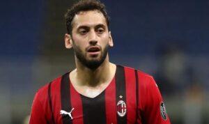 Милан продлит контракт с Чалханоглу — журналист