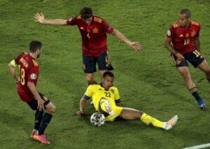 Швеция отобрала очки у Испании на Евро-2020