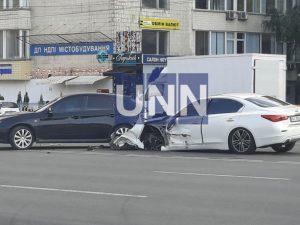 На столичном бульваре произошла ДТП с участием 5 автомобилей, есть пострадавшие