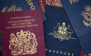 Президент ввел в действие решение СНБО о двойном гражданстве чиновников: детали