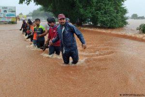 В результате наводнения в Индии погибли более 150 человек