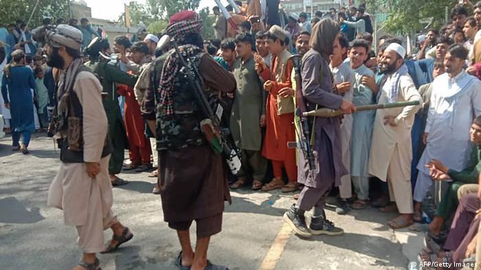Талибы после взятия Джалалабада