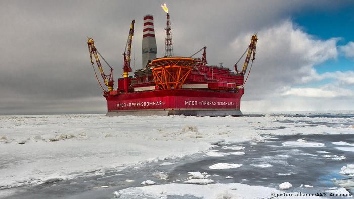 Нефтедобывающая платформа Приразломная.