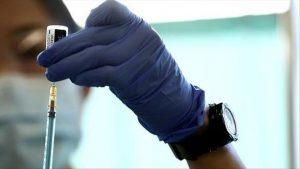 """В Испании одобрили """"бустерную"""" дозу вакцины от коронавиру для жителей домов престарелых"""