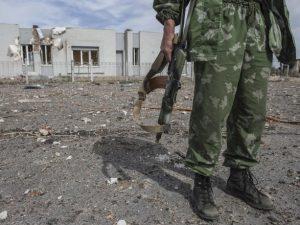 Боевики обстреляли жилые дома в Гранитном на Донбассе: за дело взялась прокуратура