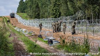 Варшава строит забор вдоль границы с Беларусью высотой 2,5 метра