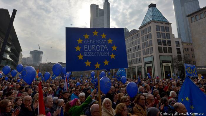 Демонстрация Pulse of Europe во Франкфурте-на-Майне