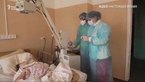 «Не уявляла цього пекла». В Україні переповнені COVID-лікарні, інфіковані пацієнти закликають вакцинуватися – відео