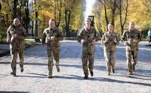 У Львові сержанти-авіатори прийняли виклик у спортивному випробуванні