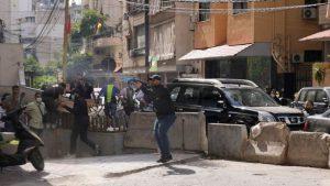 В ходе вооруженных столкновений в Бейруте погибли по меньшей мере шесть человек и несколько десятков получили ранения
