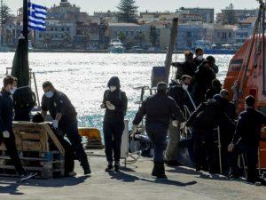 Возле берегов Греции затонула лодка с мигрантами: погибло четверо детей